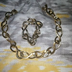 SOLD.  Beautiful Gold Necklace & Bracelet Donating